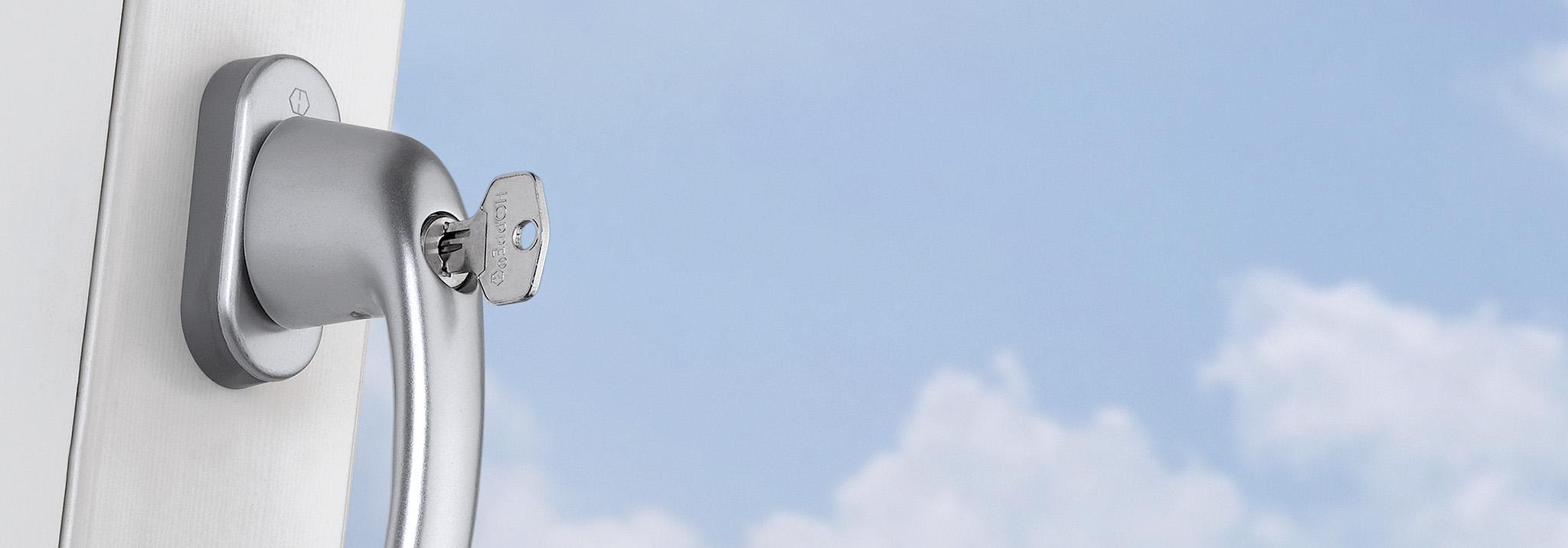 Chránící a pohodlné – okenní kliky se Secu100® nebo Secu200®