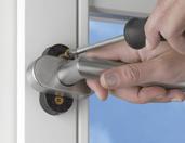 Můžete bez velkého úsilí vyměnit své okenní kliky