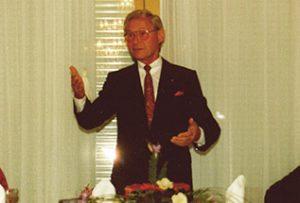 El fundador Friedrich Hoppe