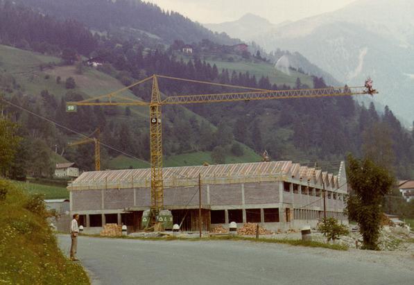 Bouw van de fabriek in St. Martin in Passeier