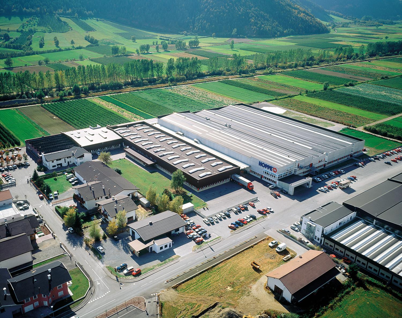 Завод в Лаасе, Италия