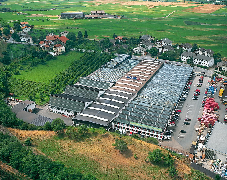 Завод в Шлудернсе, Италия