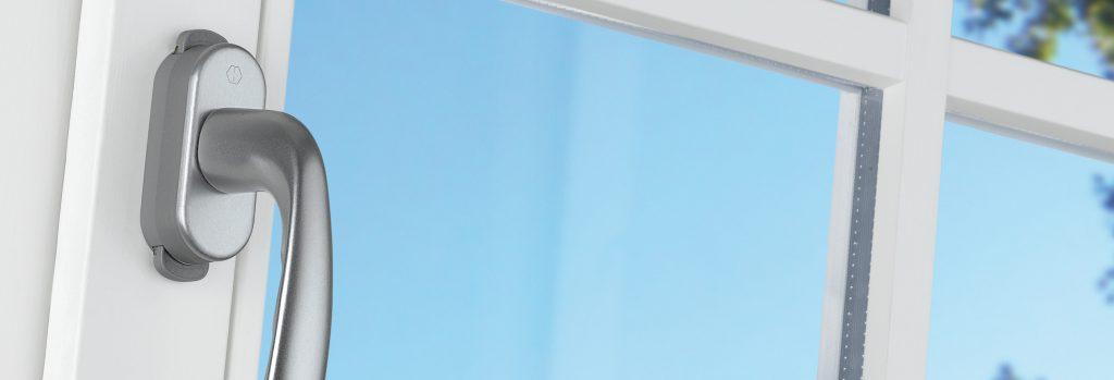 Ett bekymmer mindre med handtagsspärr KISI2 för fönsterhandtag
